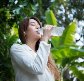 cuanta agua hay que beber